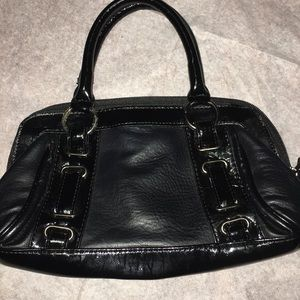Poppie Jones Women's Black Handbag